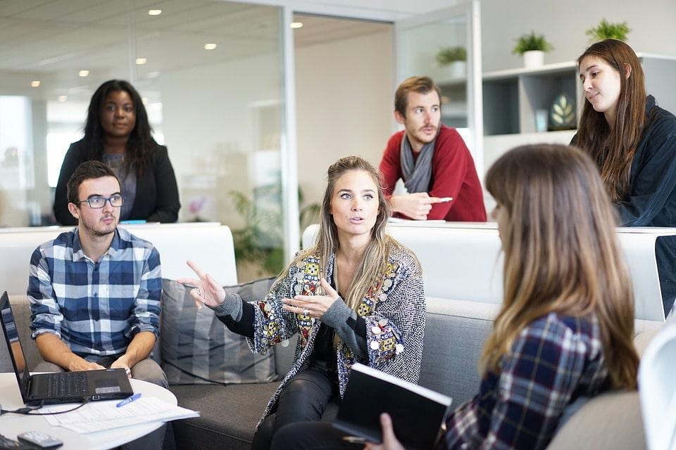 Beschenken Sie Personen, die Ihr Unternehmen werben können