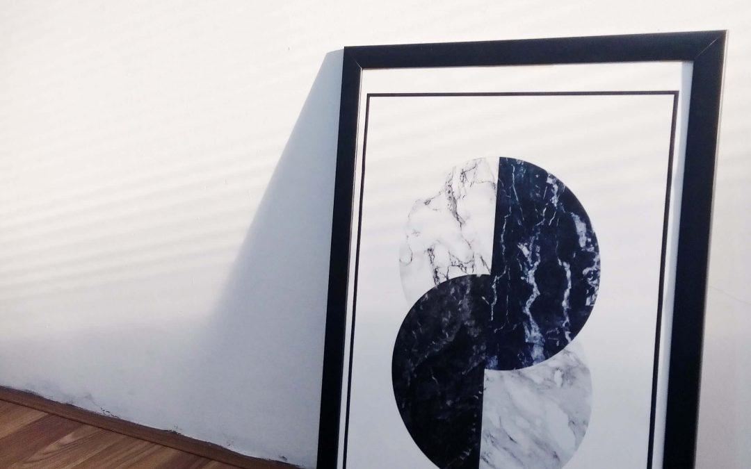 Poster, Aufkleber und Drucke auf Folie – ein nichtalltägliches Angebot der Druckereien